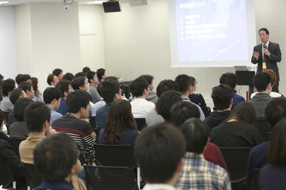 ヤフー社員を前に講演する東京電力の増田さん