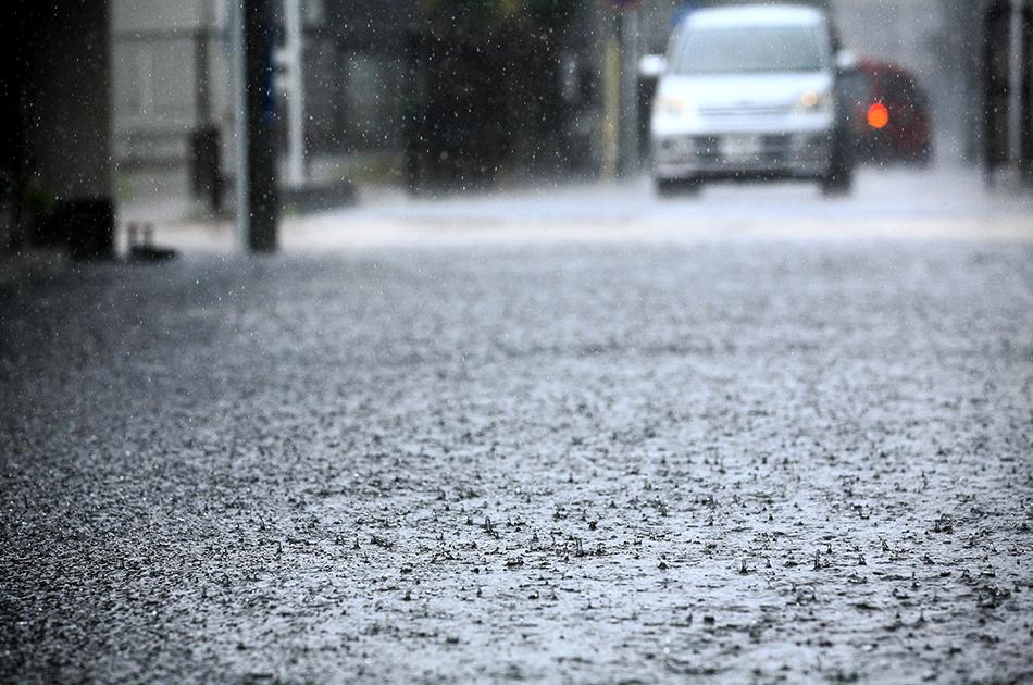 台風や豪雨の際にとるべき行動とは