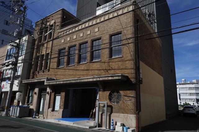 徳島大空襲で焼け残った旧高原ビル=徳島市