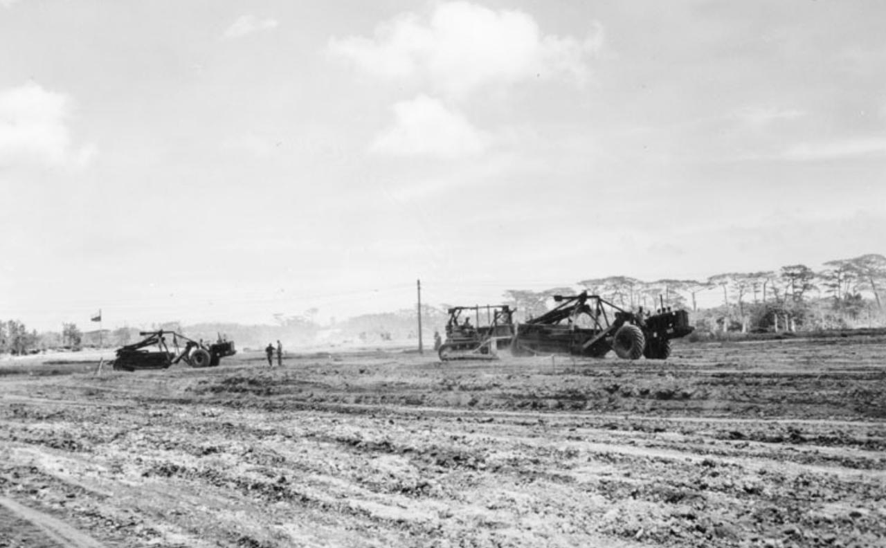 普天間基地建設の写真=1945年6月