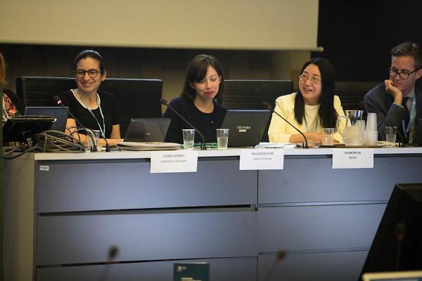 国連教育科学文化機関(ユネスコ)主催のワークショップの様子をとらえた写真。全登壇者のうち4名が写っている。