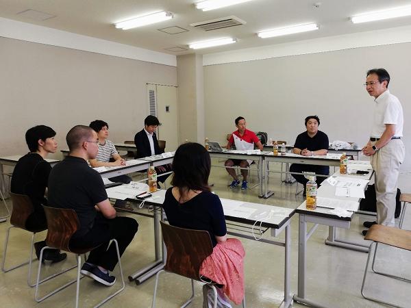 石巻専修大学の教室にて、意見交換会を実施