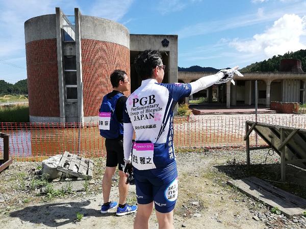 コースの途中では大川小学校の跡地にも立ち寄り、手を合わせました。
